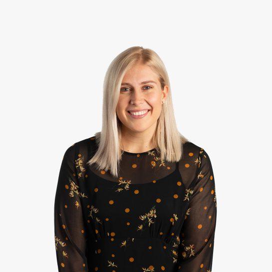 Sophia Wehrs Graphic Designer smiling